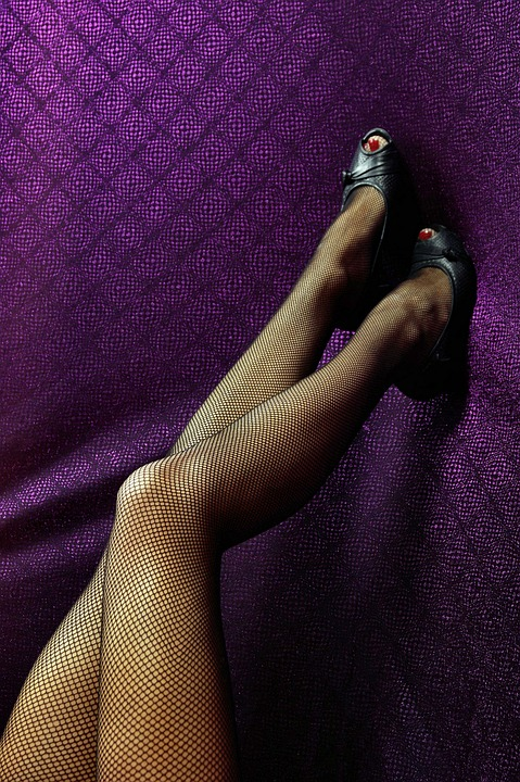Pixabay legs in fishnet stockings-1171796_960_720