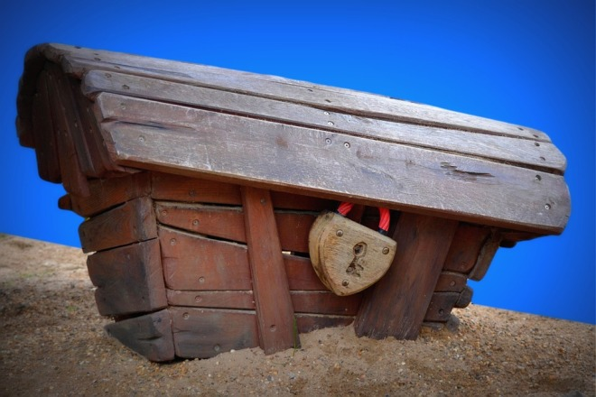 pixabay (get out of the box)coffin-239091_960_720